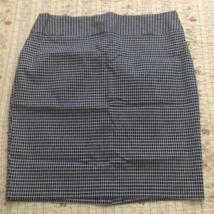Worthington Black and White Pencil Skirt 16T EUC